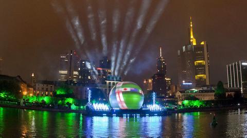 """""""Ballzauber""""-Show in Frankfurt"""