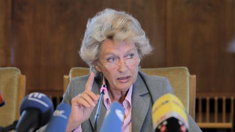 Petra Roth bei der Pressekonferenz