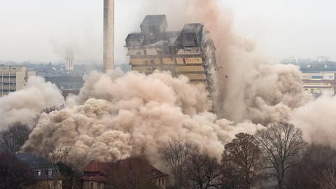 Der einstürzende des AfE-Turm