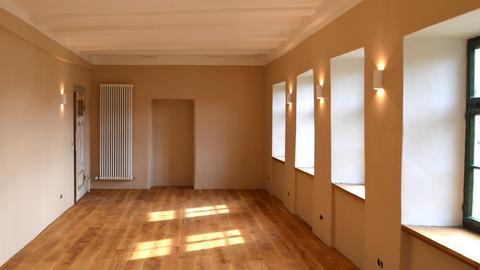 Mönchshaus-großer Saal mit Holzboden