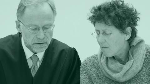 Kristina Hänel und ihr Verteidiger im Gerichtssaal