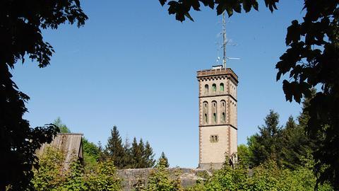 Städtetipp Korbach: Georg-Viktor-Turm auf dem Eisenberg bei Goldhausen.