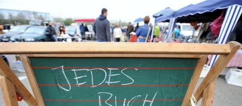 Verkaufsstand bei einem Flohmarkt