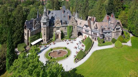 Luftaufnahme von Schloss Rauischholzhausen.