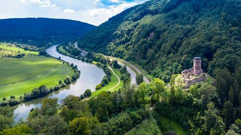 Die Hinterburg gehört zur Vier-Burgen-Stadt Neckarsteinach im Süden Hessens.