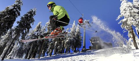 Skifahren Abfahrt