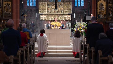 In der Dompfarrei St. Bartholomäus fand einer der vier ökumenischen Gottesdienste mit Abendmahl statt.