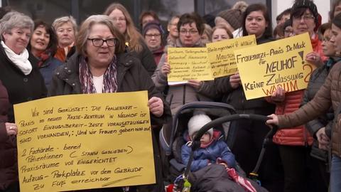 Demo gegen Fachärztemangel in Neuhof