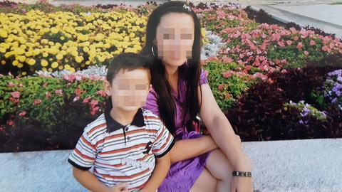 Alek mit seiner Mutter