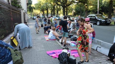 Friedlicher Protest vor französischem Generalkonsulat