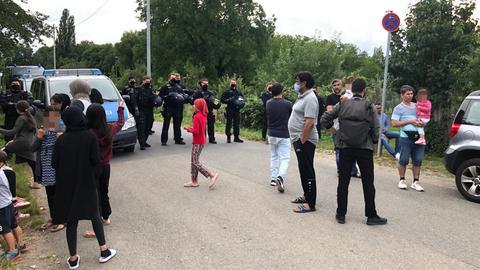 Die Polizei war mit einem Großaufgebot in der Flüchtlingsunterkunft