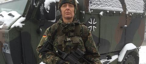 hr-Redakteurin Antonella Berta bei der Bundeswehr