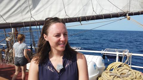 """Klimaaktivistin Clara von Glasow  auf der """"Regina Maris"""""""