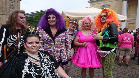 Drag Queens bei der CSD-Parade in Darmstadt 2019
