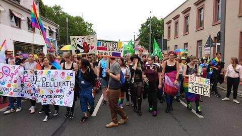 Teilnehmer an der CSD-Parade in Darmstadt 2019