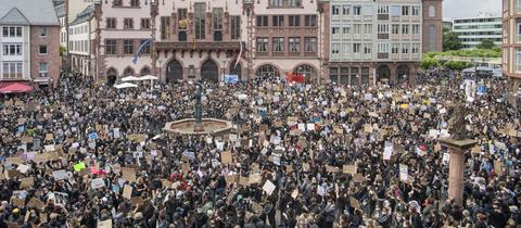 Demo Demonstration Frankfurt George Floyd Römer