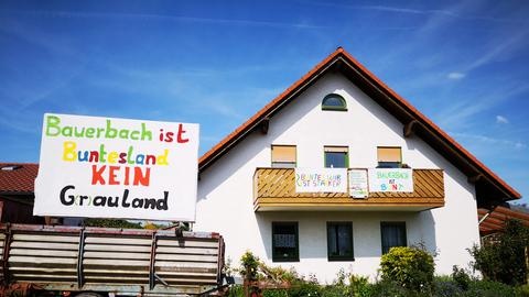 In Marburgs Stadtteil Bauerbach setzen Bürger ein Zeichen gegen die AfD.
