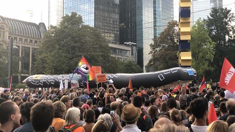 Demo des Bündnisses Seebrücke in Frankfurt gegen Seehofer