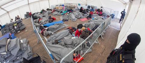Flüchtlingscamp in Dobova