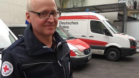 Arno Schäfer, Notfallsanitäter und Bereichsleiter beim DRK Frankfurt