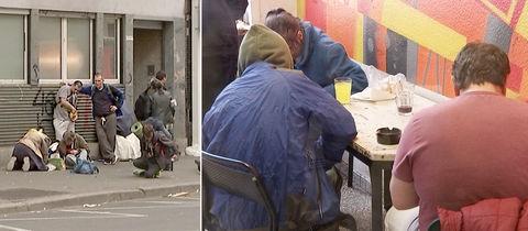 EInblicke in den Druckraum der Drogenhilfe. Das Gebäude von außen und eine Momentaufnahme von innen: drei Drogensüchtige sitzen an einem Tisch.