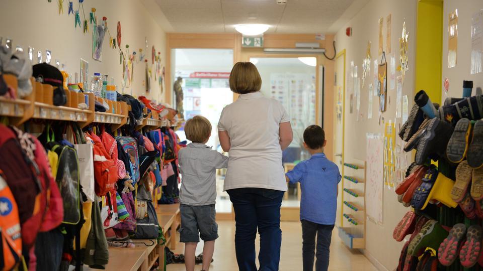Nicht alle Eltern wollen kostenlose Kita-Plätze | hessenschau.de ...