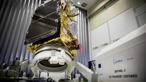 """Der """"Sentinel-2B""""-Satellit der European Space Agency."""
