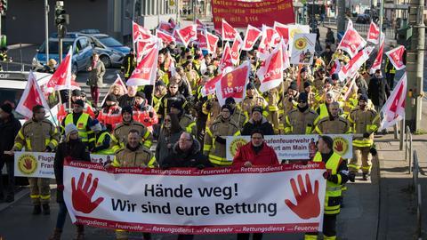 Demonstration von Rettungskräften  in Frankfurt