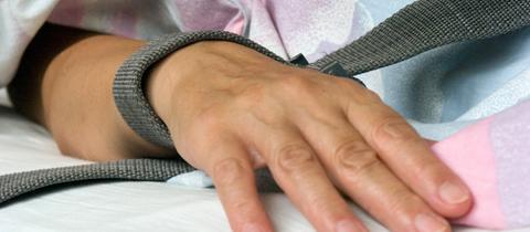 Fixierte Hand