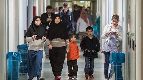 Flüchtlinge in der ehemaligen Neckermann-Zentrale in Frankfurt