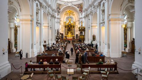Gottesdienst zur Verabschiedung des Bischofs Heinz Josef Algermissen im Fuldaer Dom im September.