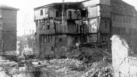 Der zerstörte Kirchenplatz in Gießen 1944