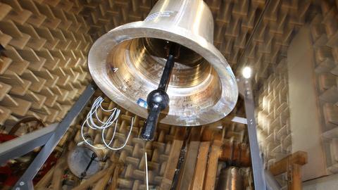Glocke im Schallabor