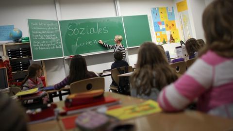 Unterricht an einer Schule in Wiesbaden.