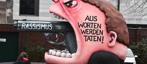 """Motivwagen """"Rassismus - Aus Worten werden Taten!"""" in Düsseldorf"""