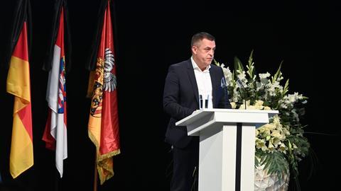 Armin Kurtović am Rednerpult