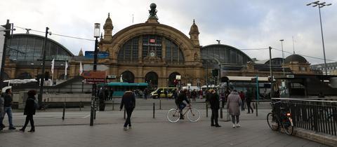 Frankfurt Hauptbahnhof Umbau 156 HBF von vorn