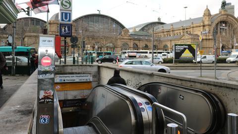 Frankfurt Hauptbahnhof Umbau 164 Rolltreppe B-Ebene