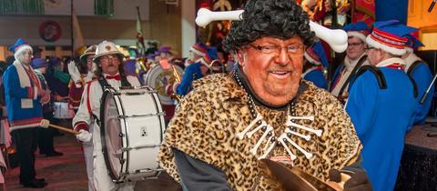 Umzug des Karnevalsvereins Fulda-Südend mit einem als Schwarzen geschminkten Weißen