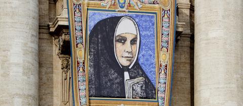 Wandteppich mit Bild der Katharina Kasper