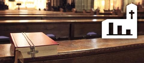 Eine leere Kirche von innen