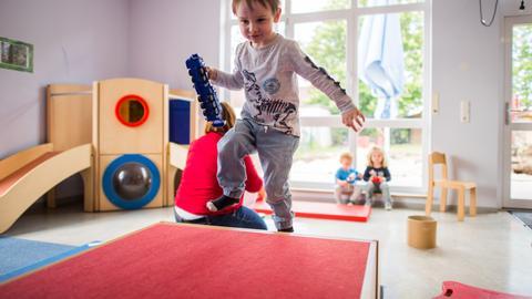"""Spielende Kinder in der """"Kita des Jahres"""" in Eppertshausen"""