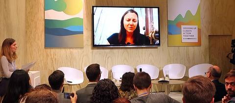 Klimaaktivistin Clara von Glasow nimmt digital an Klimakonferenz teil