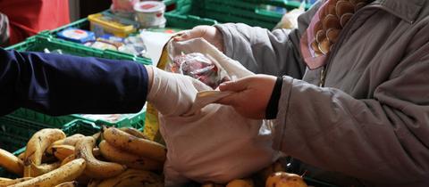 Lebensmittelausgabe der Tafeln