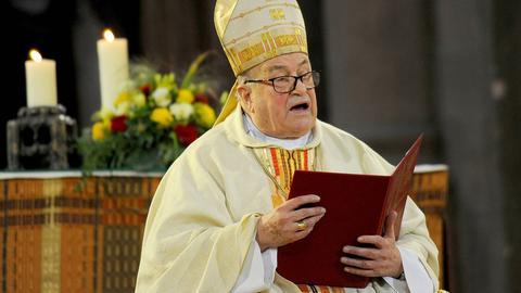 Sein letzter öffentlicher Auftritt: Karl Kardinal Lehmann im August 2017 im Mainzer Dom bei der Weihe seines Nachfolgers im Amt des Mainzer Bischofs, Peter Kohlgraf.