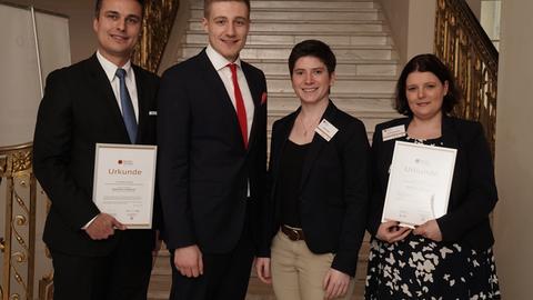 Lehrerpreis für Michael Ostertag (links), Nadin Kondziella (rechts)