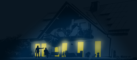 Die Illustration zeigt - zeichnerisch abstrahiert - das Wohnhaus Lübckes in der Nacht. Aus den Fenstern im Erdgeschoss strahlt Licht und leuchtet auf die Terrasse, wo zwei Menschen nur als Schatten zu sehen sind: ein Sitzender und eine zweite Person, die auf den Sitzenden aus unmittelbarer Nähe schießt.