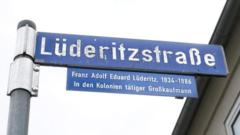 Straßenschild der Lüderitzstraße in Kassel.