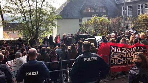 Protest gegen ein Treffen von Burschenschaftern