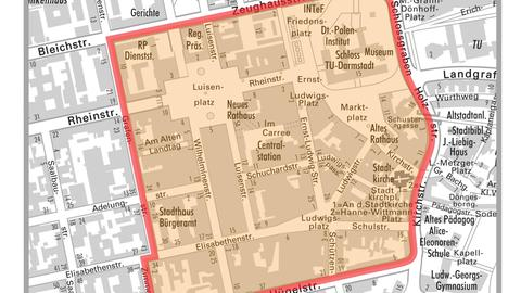 In diesem Innenstadt-Bereich herrscht in Darmstadt tagsüber Maskenpflicht.